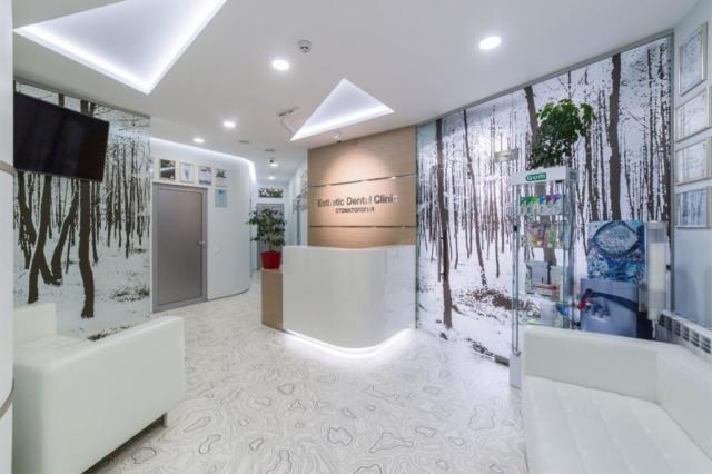 interer-kliniki-estetik-dental-klinik-zal-ozhidaniya-003