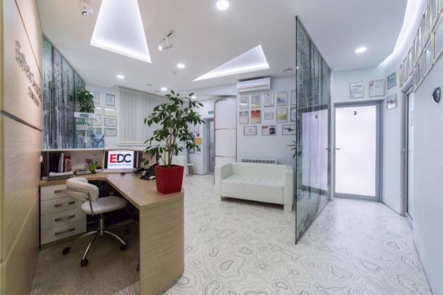 interer-kliniki-estetik-dental-klinik-zal-ozhidaniya-004